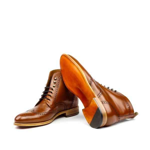 Bota wingtip en boxcalf marrón cognac
