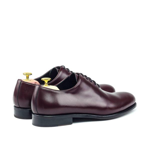 Zapato para caballero Oxford wholecut en boxcalf burdeos