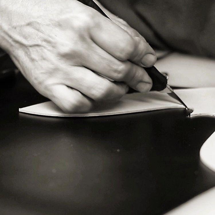 Diseño y fabricación artesanal de zapatos para hombre