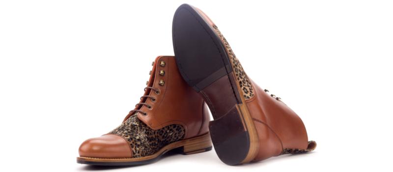 Bota cap toe personalizada para mujer en box calf cognac y terciopelo print Cambrillon